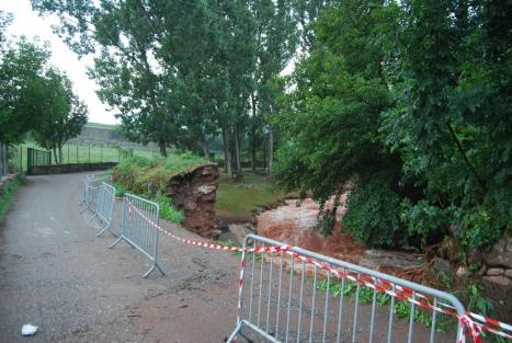 Esfondrament de la paret del riu de la Color a prop de la Seu. Foto gentilesa del Carlos Guàrdia Carbonell